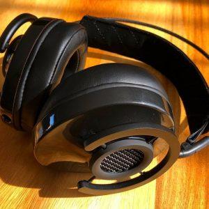 AudioQuest NightHawk Carbon Review: THE BEST SOUNDING HEADPHONES under 1000$ !!